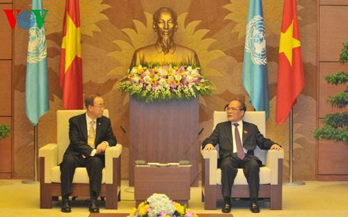 Chủ tịch Quốc hội tiếp thân mật Tổng thư ký Liên hợp quốc Ban Ki Moon - ảnh 1