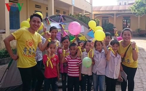 Chung tay giúp trẻ bị ảnh hưởng bởi HIV hòa nhập cộng đồng - ảnh 2