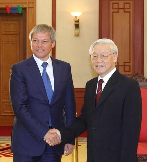 Việt Nam mong muốn tăng cường quan hệ hữu nghị, hợp tác nhiều mặt với Romania - ảnh 1