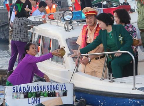 Chủ tịch Quốc hội Nguyễn Thị Kim Ngân tiếp xúc cử tri quân khu 9 - ảnh 2