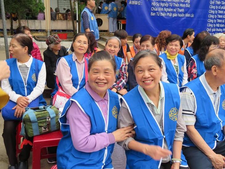 Khám bệnh, phát thuốc cho đồng bào nghèo huyện Hải Lăng, Quảng Trị - ảnh 29
