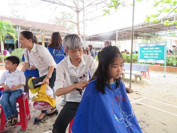 Khám bệnh, phát thuốc cho đồng bào nghèo huyện Hải Lăng, Quảng Trị - ảnh 17