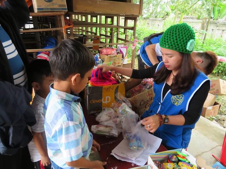 Khám bệnh, phát thuốc cho đồng bào nghèo huyện Hải Lăng, Quảng Trị - ảnh 20