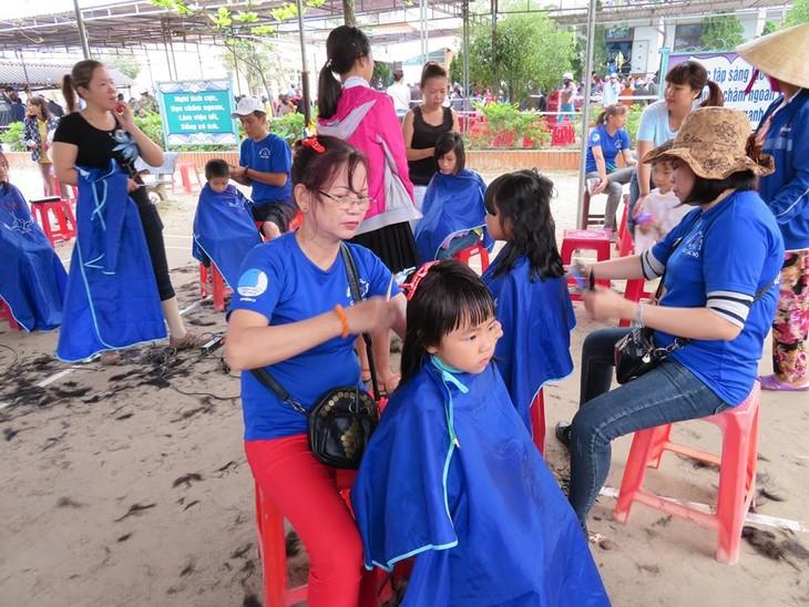 Khám bệnh, phát thuốc cho đồng bào nghèo huyện Hải Lăng, Quảng Trị - ảnh 19