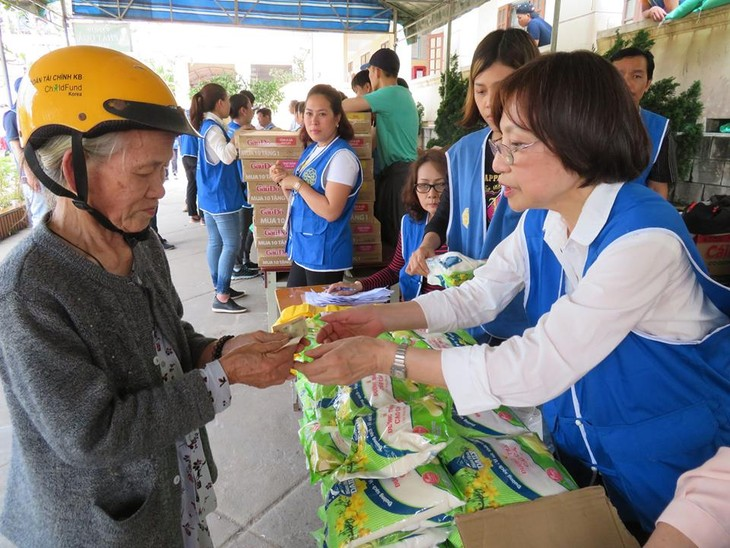 Khám bệnh, phát thuốc cho đồng bào nghèo huyện Hải Lăng, Quảng Trị - ảnh 24