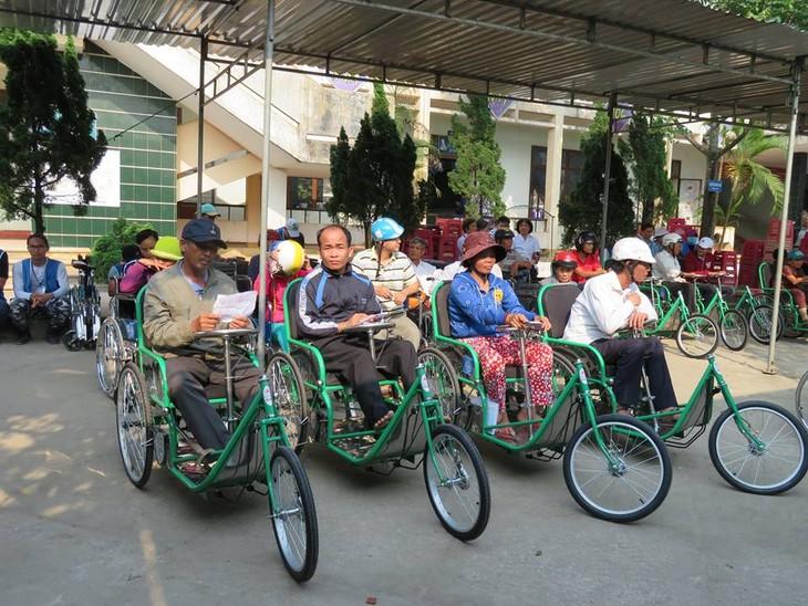 Khám bệnh, phát thuốc cho đồng bào nghèo huyện Hải Lăng, Quảng Trị - ảnh 21