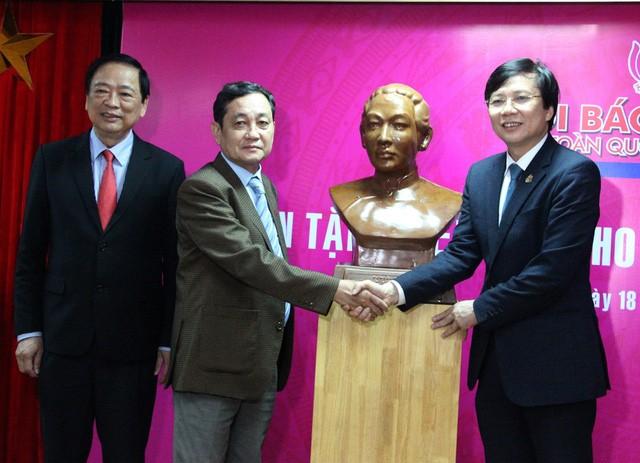 Nhiều hiện vật được tặng cho Bảo tàng Báo chí Việt Nam - ảnh 1