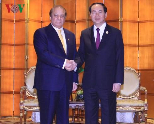 Chủ tịch nước Trần Đại Quang tiếp xúc song phương với lãnh đạo các nước - ảnh 1