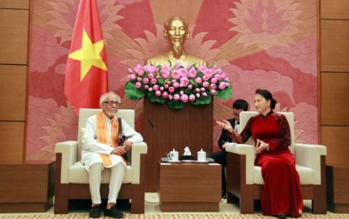 Chủ tịch Quốc hội Nguyễn Thị Kim Ngân tiếp Chủ tịch Ủy ban đoàn kết Ấn Độ-Việt Nam bang Tây Belgan - ảnh 1