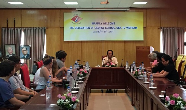 Giáo viên, học sinh Mỹ tìm hiểu đất nước, con người Việt Nam  - ảnh 1