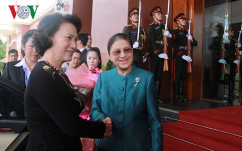Chủ tịch Quốc hội nước Cộng hoà Dân chủ Nhân dân Lào thăm Việt Nam - ảnh 1