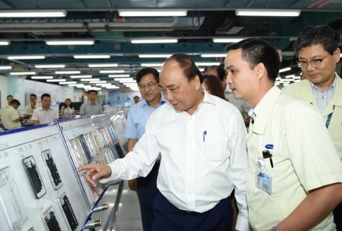 Thủ tướng Nguyễn Xuân Phúc làm việc với Samsung Thái Nguyên - ảnh 1