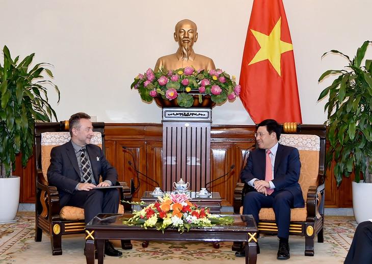 Phó Thủ tướng, Bộ trưởng Bộ Ngoại giao Phạm Bình Minh tiếp Đại sứ Cộng hòa Czech - ảnh 1