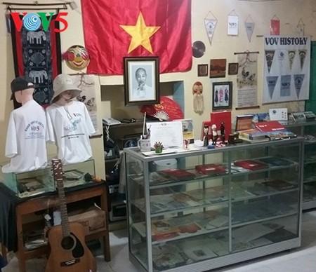 Thư viện bảo tàng DX : Tình yêu của Hazarin R Junep  với  Đài Tiếng nói Việt Nam - ảnh 1