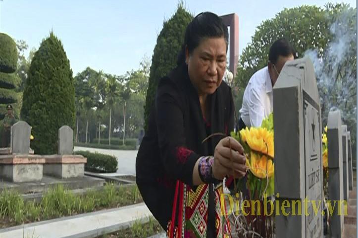 Phó Chủ tịch Thường trực Quốc hội Tòng Thị Phóng làm việc với lãnh đạo tỉnh Điện Biên  - ảnh 1