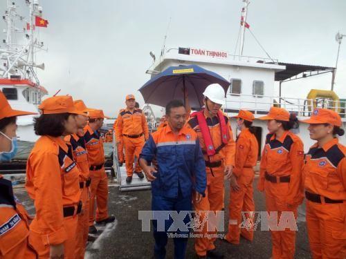 Bàn giao công dân Malaysia bị nạn trên biển Việt Nam  - ảnh 1