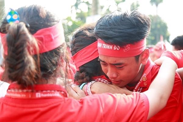 Xúc động giây phút chia tay chiến sĩ hành trình đỏ 2017 - ảnh 6