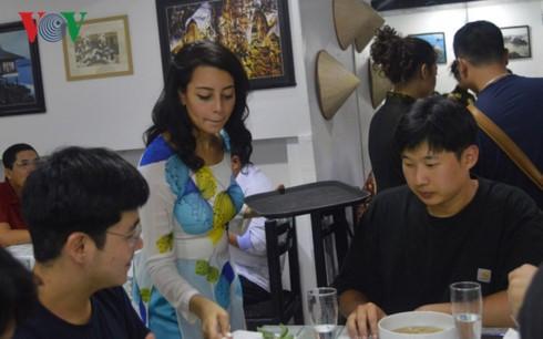 Nhà hàng mang tên Hồ Chí ở Ai Cập tôn vinh Chủ tịch Hồ Chí Minh - ảnh 6
