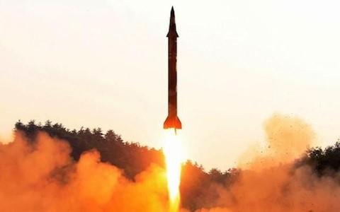 Việt Nam quan ngại sâu sắc trước việc CHDCND Triều Tiên phóng tên lửa đạn đạo  - ảnh 1