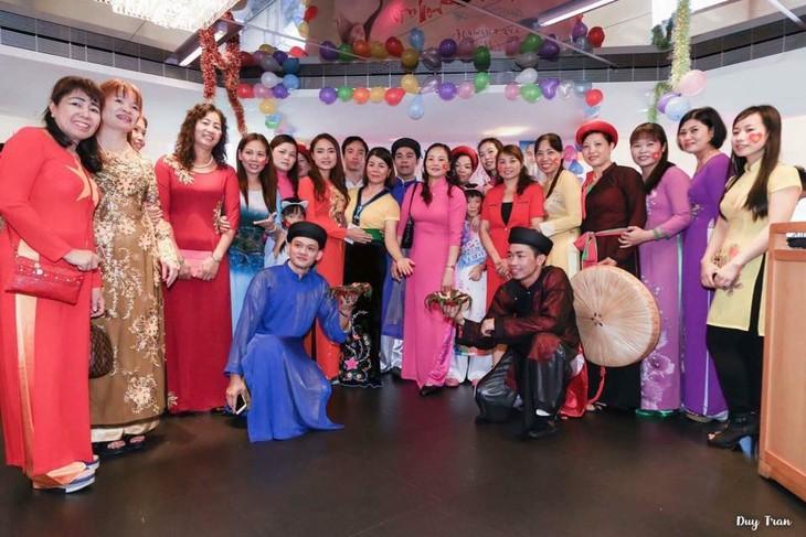 Gặp gỡ chào mừng Ngày Phụ nữ Việt Nam tại Đài Loan (Trung Quốc) - ảnh 2