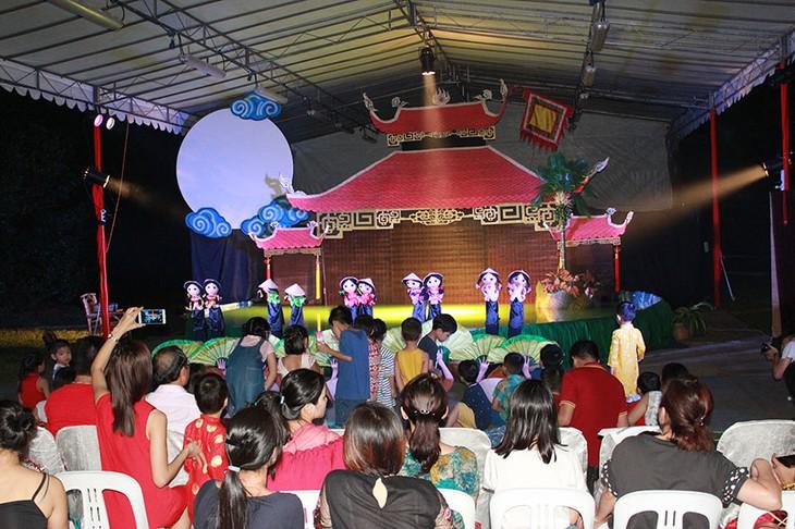 Tết Trung thu đậm bản sắc Việt tại Singapore - ảnh 17