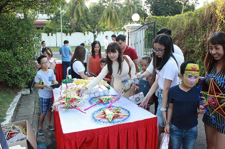 Tết Trung thu đậm bản sắc Việt tại Singapore - ảnh 4
