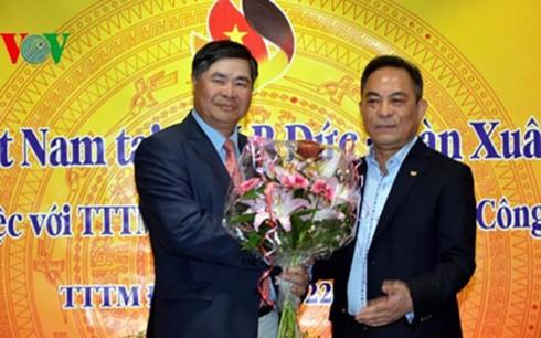 Ông chủ chợ Đồng Xuân Berlin tự hào là người Việt Nam - ảnh 1