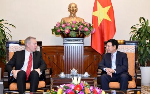 Phó Thủ tướng, Bộ trưởng Ngoại giao Phạm Bình Minh tiếp Đại sứ Hoa Kỳ Ted Osius chào từ biệt - ảnh 1