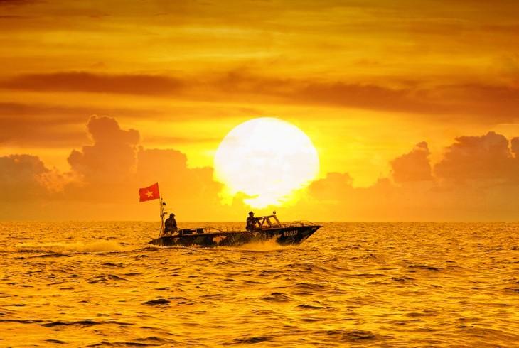 """Chương trình giao lưu nghệ thuật """"Hướng về chủ quyền Biên giới – biển đảo"""" - ảnh 1"""