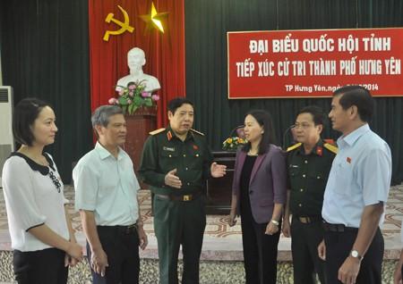 Bộ trưởng Bộ Quốc phòng Phùng Quang Thanh tiếp xúc cử tri Hưng Yên - ảnh 1