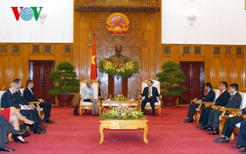 Phó Thủ tướng Vũ Văn Ninh tiếp Thị trưởng Trung tâm tài chính London - Vương quốc Anh  - ảnh 1