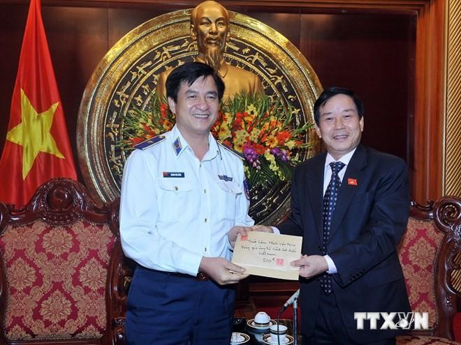 Tăng ni, phật tử Việt Nam tại Pháp quyên góp ủng hộ lực lượng Cảnh sát biển Việt Nam - ảnh 1