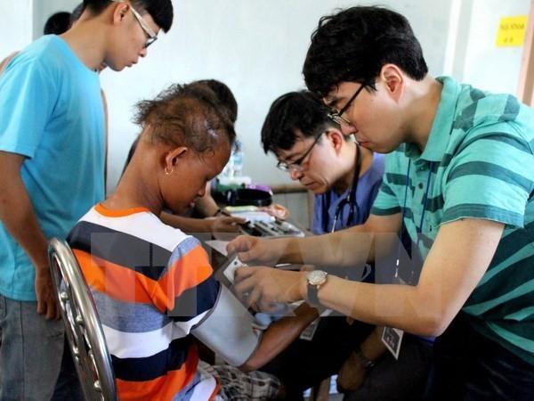 Bệnh viện Asan Seoun Hàn Quốc khám chữa bệnh tình nguyện quy mô lớn cho người nghèo tại Hưng Yên - ảnh 1