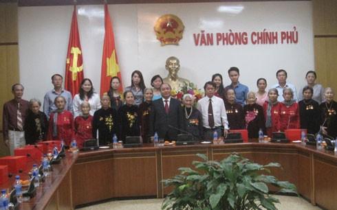Phó Thủ tướng Nguyễn Xuân Phúc tiếp đoàn Mẹ Việt Nam Anh hùng tỉnh Đồng Nai - ảnh 1