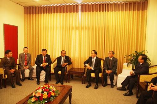 Bộ trưởng Bộ Công an Việt Nam tiếp Phó Tổng Thư ký Văn phòng Chính phủ Hoàng gia Campuchia  - ảnh 1