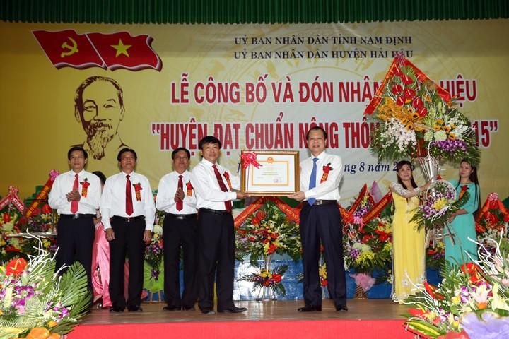 Phó Thủ tướng Vũ Văn Ninh dự lễ công bố huyện Hải Hậu, tỉnh Nam Định đạt chuẩn nông thôn mới  - ảnh 1