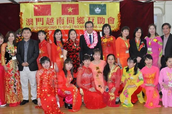 Đại sứ Việt Nam tại Trung Quốc thăm và làm việc với bà con người Việt  - ảnh 1