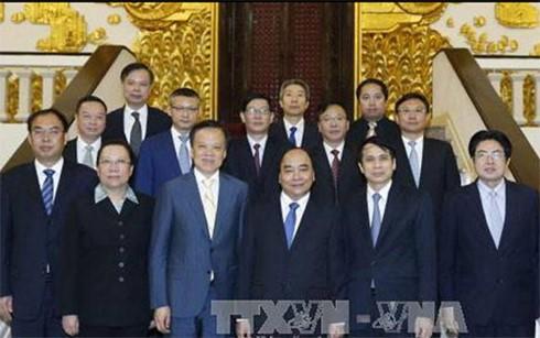 Việt Nam tăng cường giao lưu hữu nghị, hợp tác kinh tế - thương mại với Khu tự trị dân tộc Choang - ảnh 2