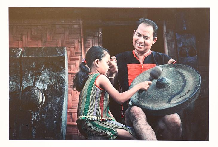 Chiêm ngưỡng khoảnh khắc tuyệt vời của những ông bố Việt Nam - ảnh 7