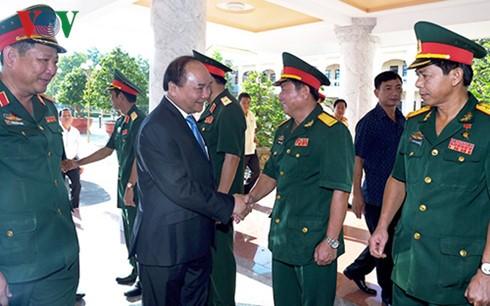 Thủ tướng Nguyễn Xuân Phúc thăm Quân Khu 9 - ảnh 1