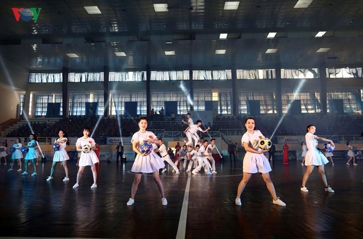 Toàn cảnh lễ khai mạc Giải vô địch quốc gia Futsal HDBank 2017 - ảnh 9