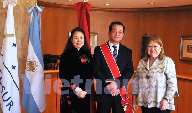 Argentina trao tặng Huân chương cho Đại sứ Việt Nam - ảnh 1