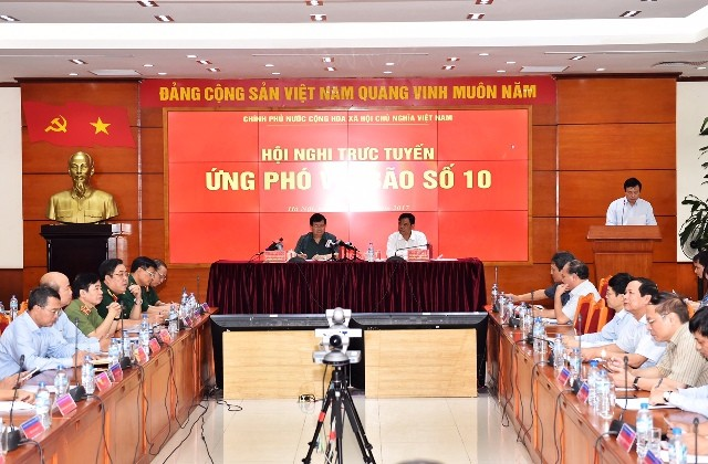Phó Thủ tướng Trịnh Đình Dũng chỉ đạo cần chủ động cao nhất ứng phó bão Doksuri - ảnh 1