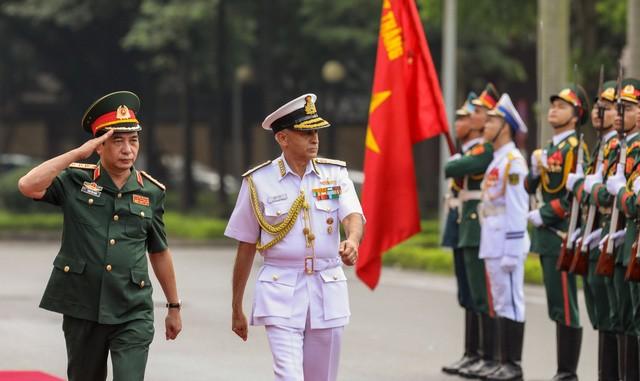Chủ tịch Ủy ban Tham mưu trưởng Ấn Độ thăm hữu nghị chính thức Việt Nam - ảnh 1