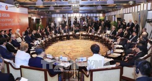 Chủ tịch nước Trần Đại Quang chủ trì cuộc đối thoại cấp cao không chính thức APEC-ASEAN - ảnh 1