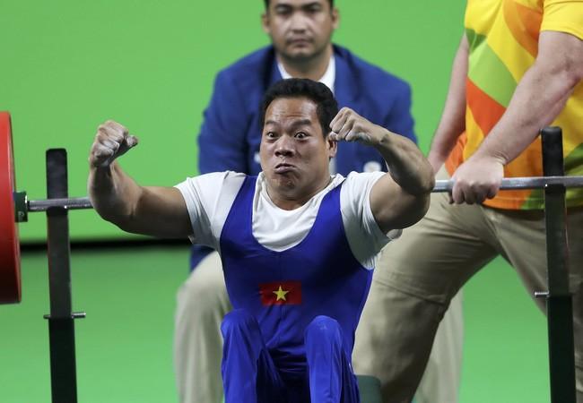 Lực sĩ Lê Văn Công giành Huy chương vàng, tự phá kỷ lục thế giới - ảnh 1