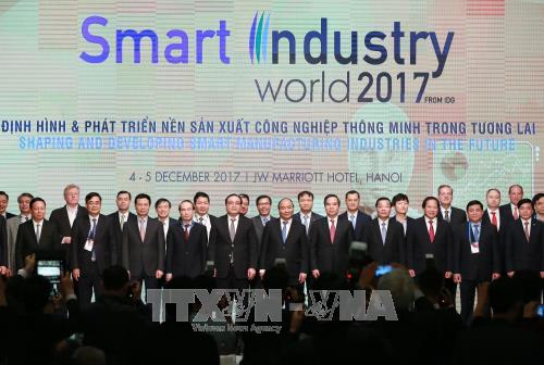 Thủ tướng: Cách mạng công nghiệp 4.0 - cơ hội thực hiện khát vọng phồn vinh của dân tộc - ảnh 2
