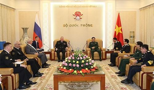 Thượng tướng Phan Văn Giang tiếp Tư lệnh Hải quân Liên bang Nga Vladimir Ivanovich Korolev - ảnh 1