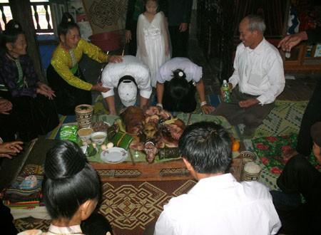 Wedding ceremony of black Thai ethnic minorities - ảnh 1