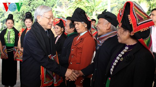 Party leader Nguyen Phu Trong works in Son La  - ảnh 1